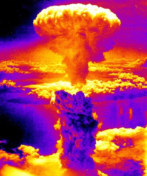 Nagasakibomb-color